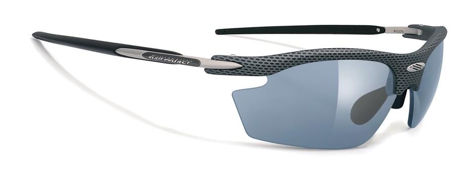 fcf34240f Podľa toho, aký typ športu robíte, môžete si do okuliarov zvoliť číre,  slnečné (stálo zafarbené), alebo samozafarbujúce okuliarové šošovky.